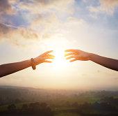 pilar-lopez-be-your-best-coaching-sophrologie-formation-conseil-bonne-année-meilleurs-voeux-besoin-interdependance-relation-humaine