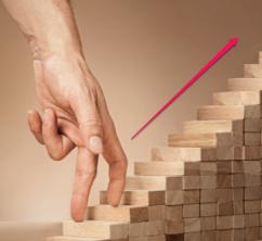 pilar-lopez-coach-sophrologue-therapie-constellation-business-75018-été-2015-business-mindset-agir-action-realiser-successe-connaître-developper-business-developpement-personnel-progresser-succès-entreprendre-escalier